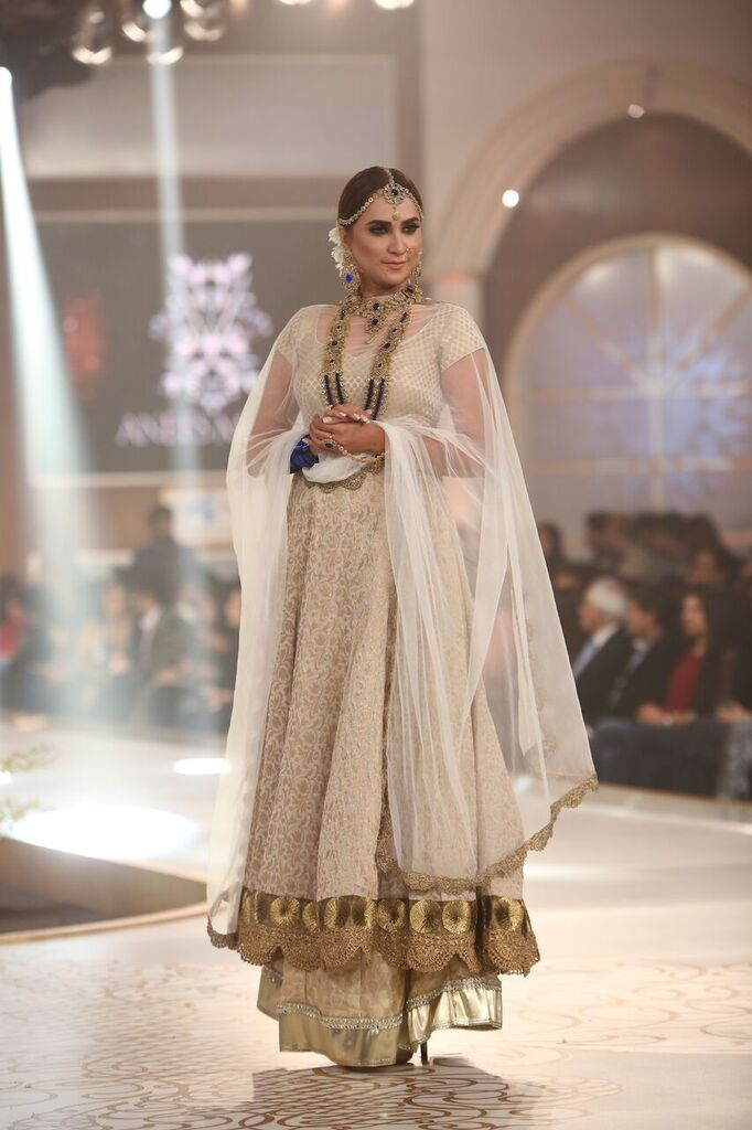 Anees Malik Pakistan Bridal Couture Week 2015 3.jpeg