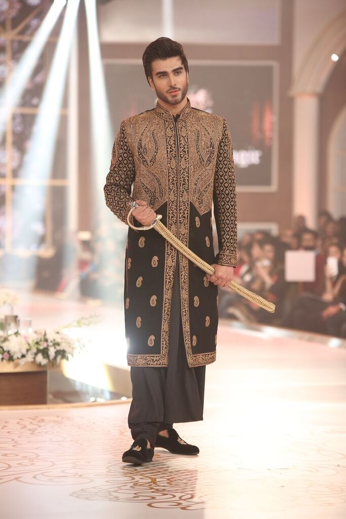 Humayun Alamgir Pakistan Bridal Couture Week 2015 7.jpeg