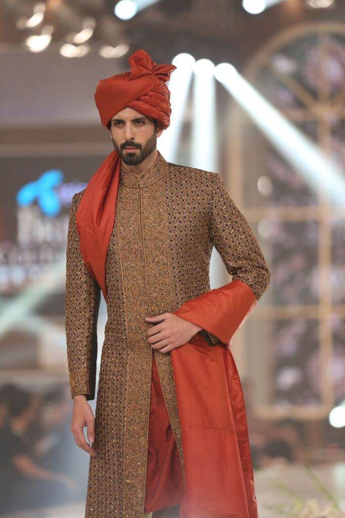 Humayun Alamgir Pakistan Bridal Couture Week 2015 9.jpeg