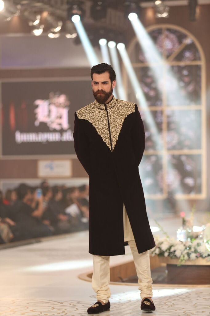 Humayun Alamgir Pakistan Bridal Couture Week 2015 10.jpeg