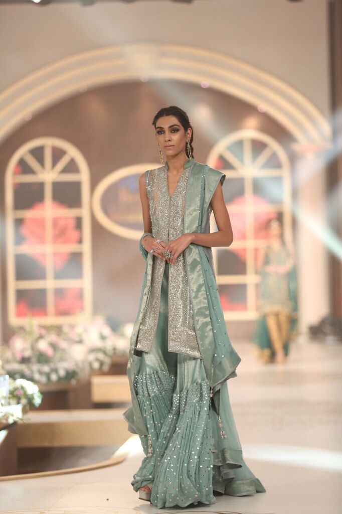 Lajwanti Pakistan Bridal Couture Week 2015 6.jpeg