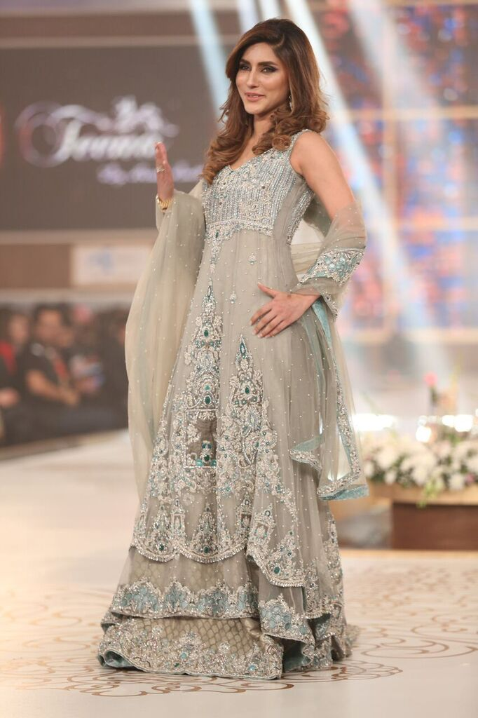 Hina Butt Pakistan Bridal Couture Week 2015 2.jpeg