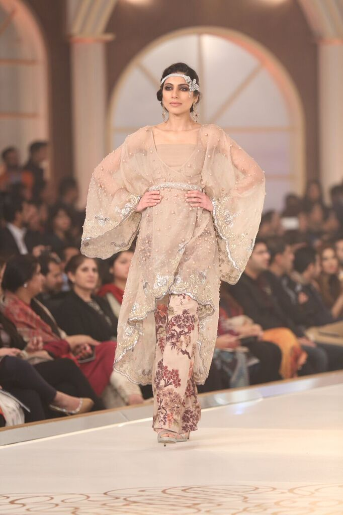 Maria B Pakistan Bridal Couture Week 2015 3.jpeg