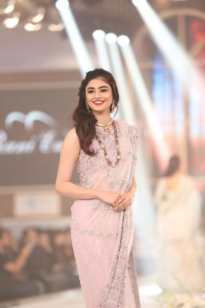 Rani Emaan Pakistan Bridal Couture Week 2015 2.jpeg