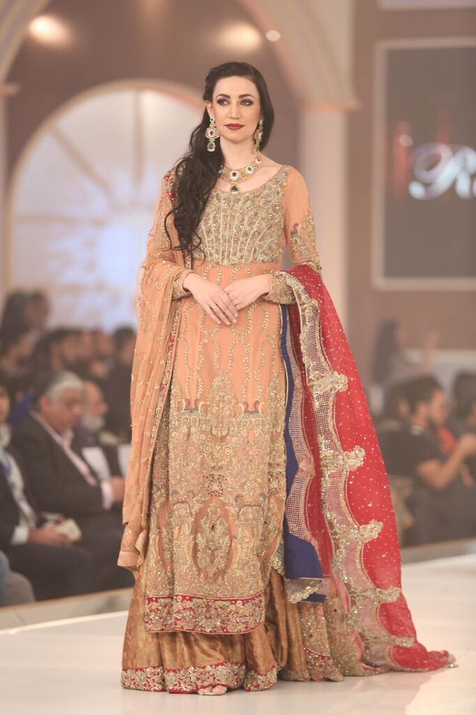 Rani Emaan Pakistan Bridal Couture Week 2015 4.jpeg