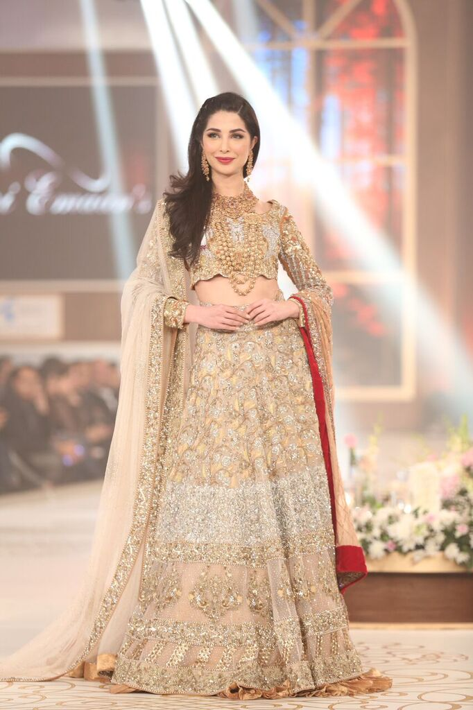 Rani Emaan Pakistan Bridal Couture Week 2015 5.jpeg