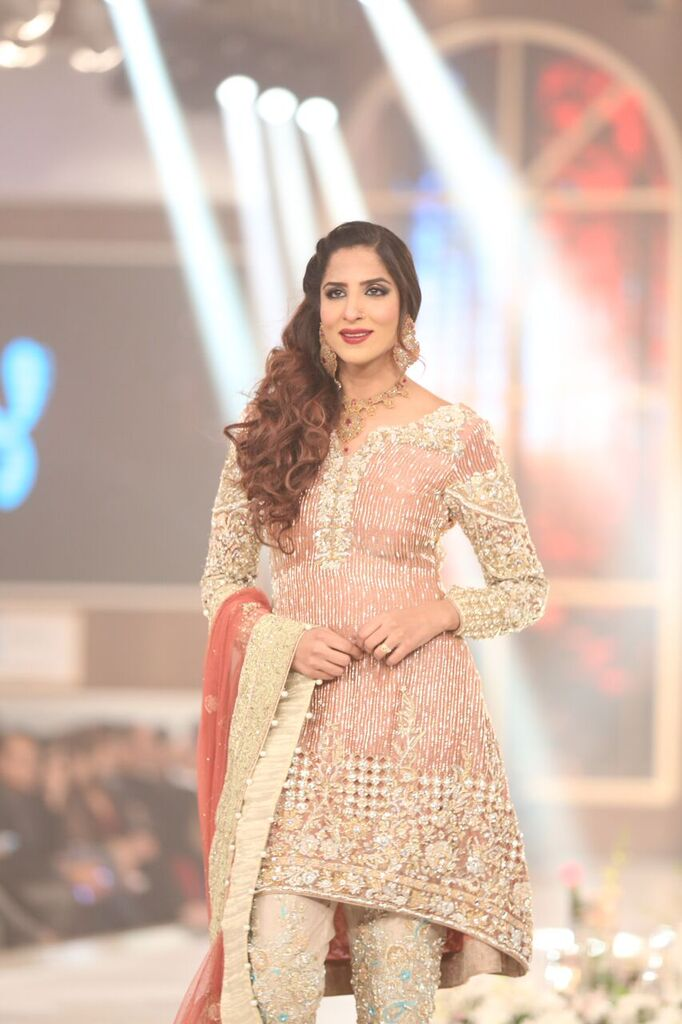 Rani Emaan Pakistan Bridal Couture Week 2015 6.jpeg
