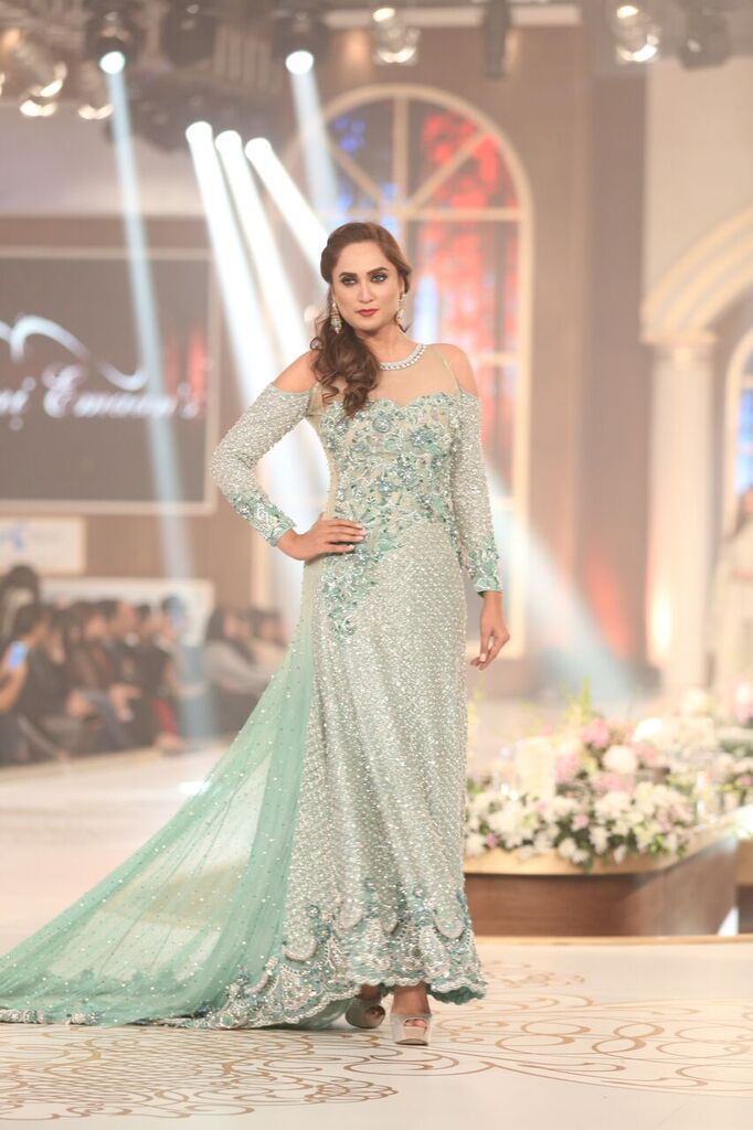 Rani Emaan Pakistan Bridal Couture Week 2015 7.jpeg