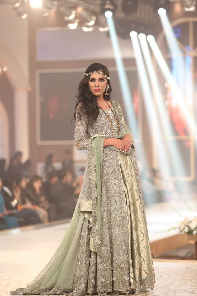 Rani Emaan Pakistan Bridal Couture Week 2015 8.jpeg