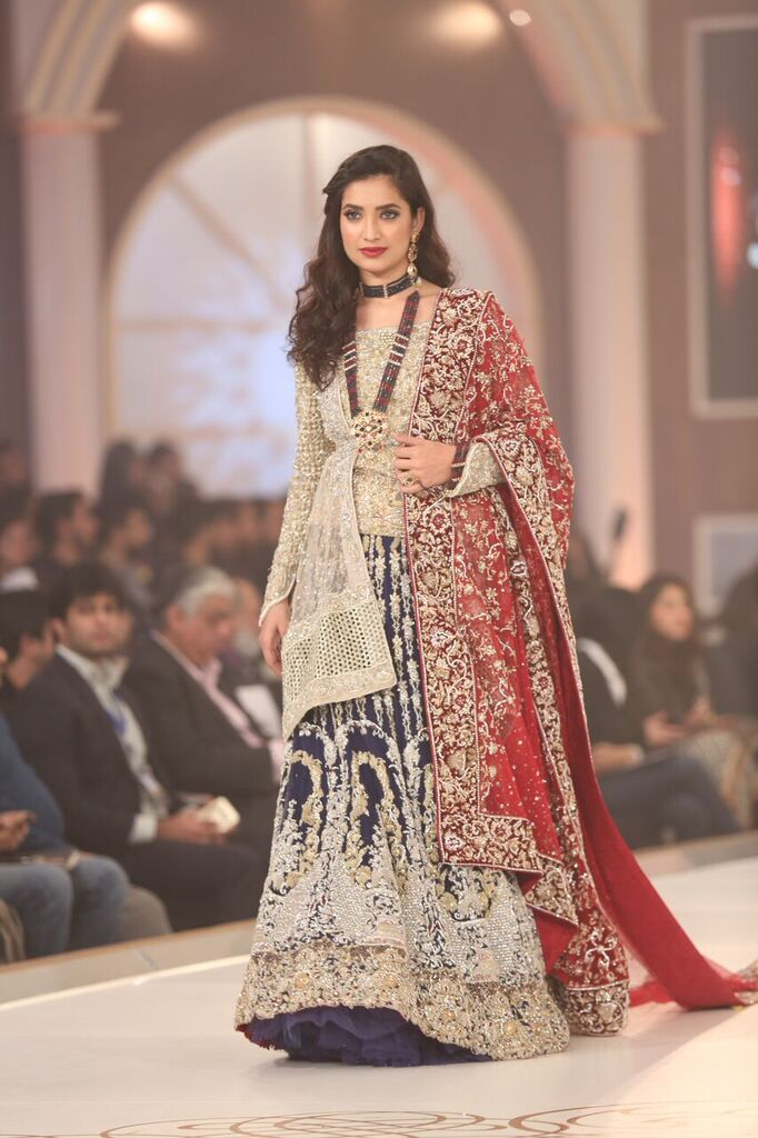 Rani Emaan Pakistan Bridal Couture Week 2015 3.jpeg