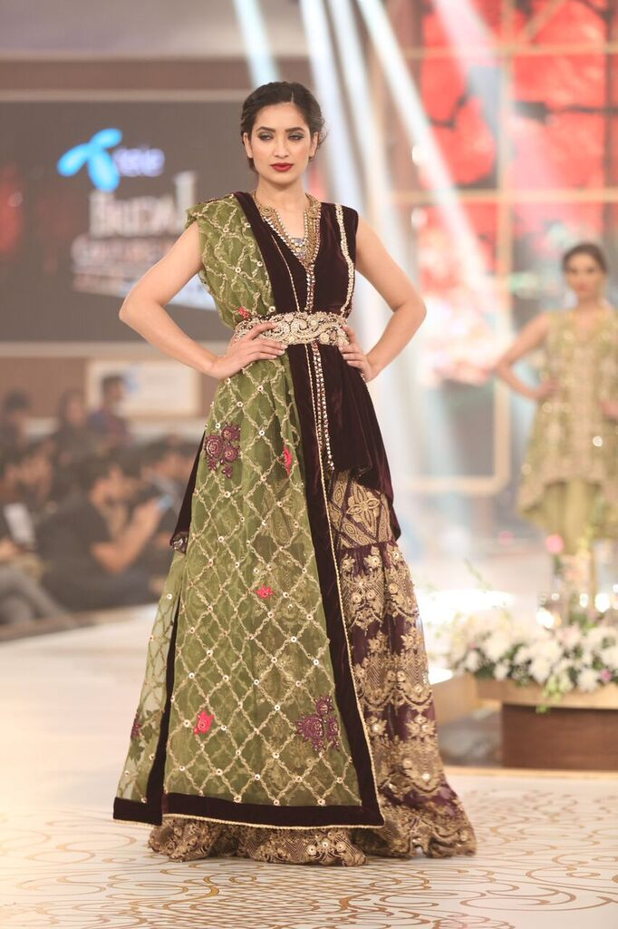 Saria Rizwan Pakistan Bridal Couture Week 2015 2.jpeg