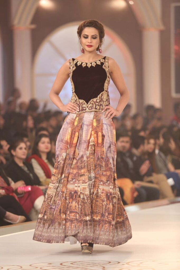 Saria Rizwan Pakistan Bridal Couture Week 2015 5b.jpeg