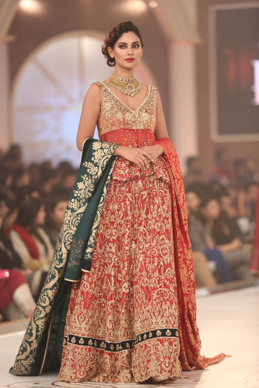 Saria Rizwan Pakistan Bridal Couture Week 2015.jpeg