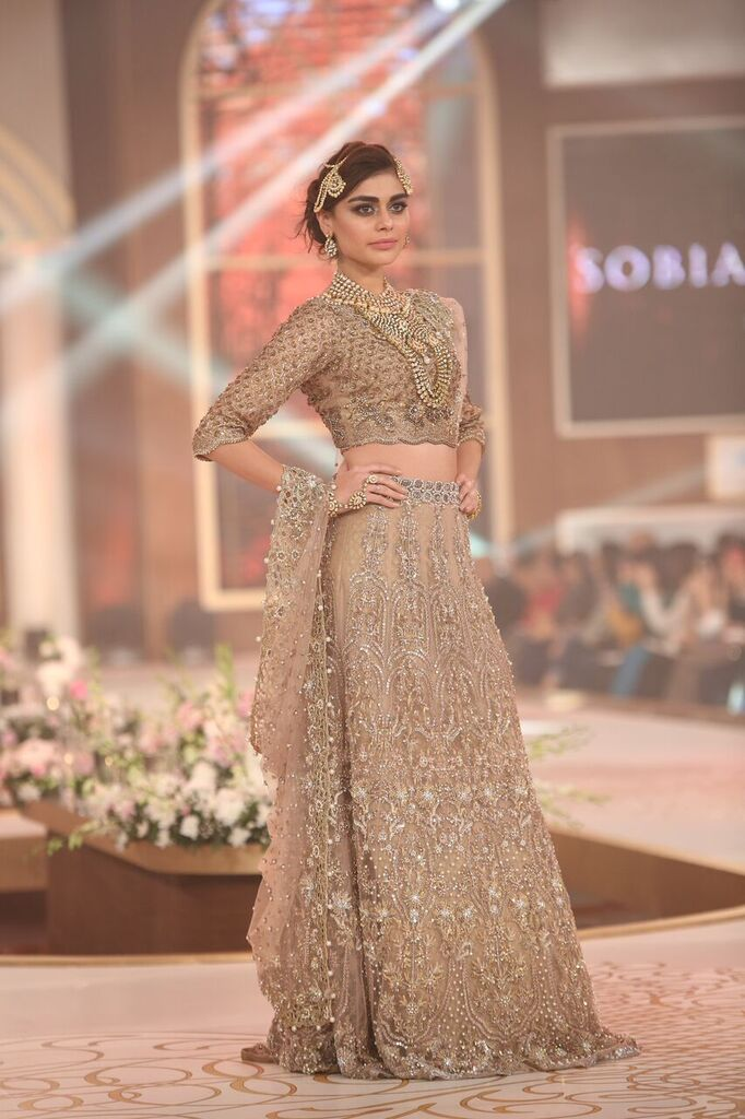 Sobia Nazir Pakistan Bridal Couture Week 2015 4.jpeg