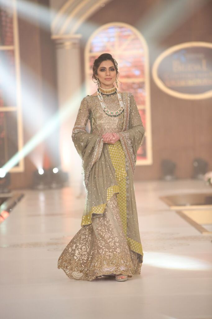 Sobia Nazir Pakistan Bridal Couture Week 2015 6.jpeg