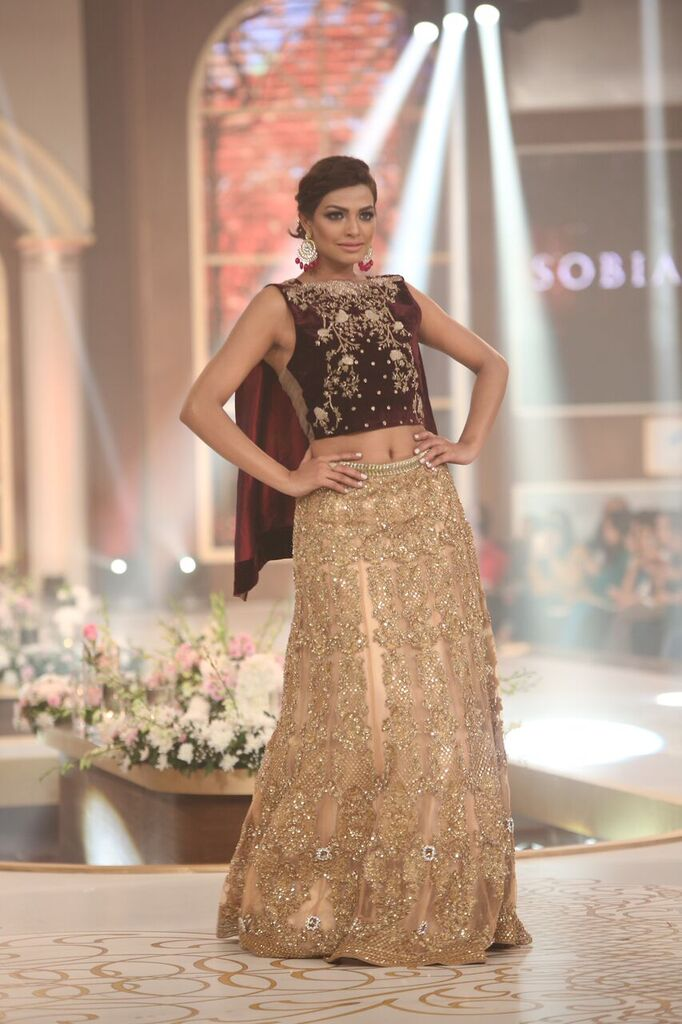 Sobia Nazir Pakistan Bridal Couture Week 2015 5.jpeg