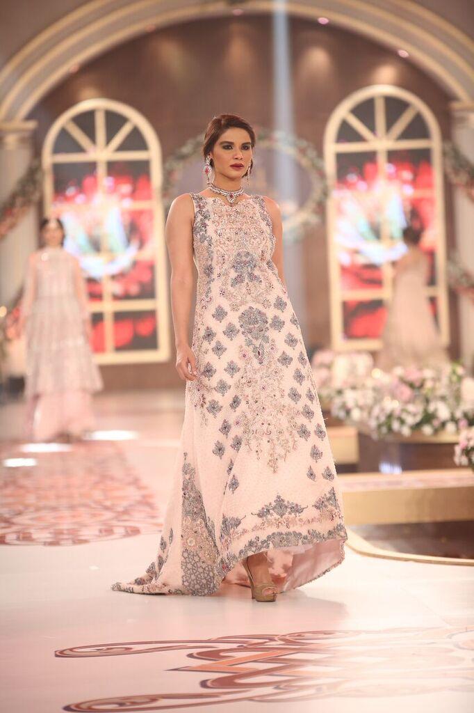 Erum Khan Telenor Bridal Couture Week 2015 3.jpeg