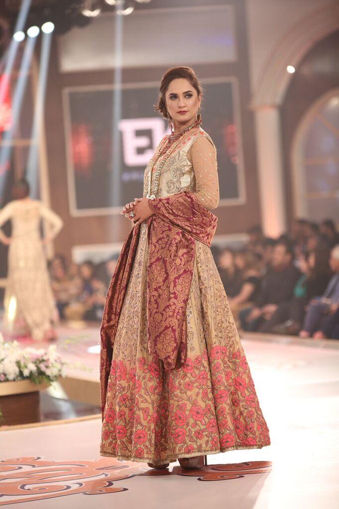 Erum Khan Telenor Bridal Couture Week 2015 8.jpeg