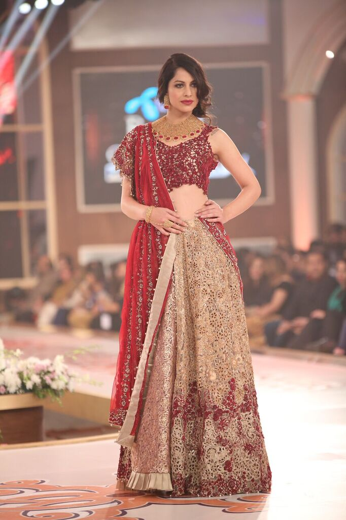 Erum Khan Telenor Bridal Couture Week 2015 9.jpeg