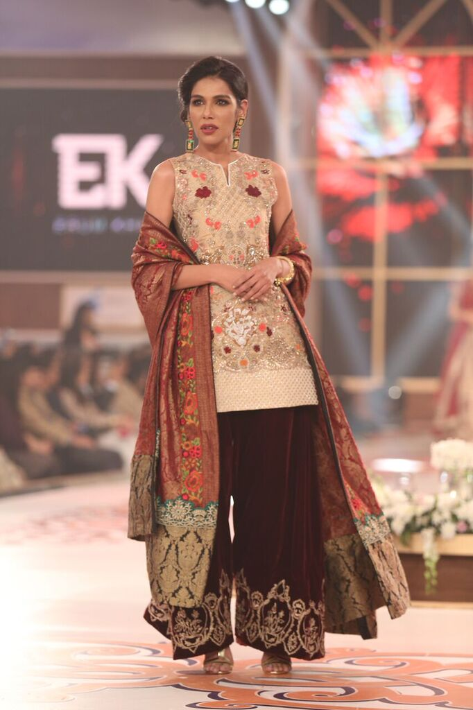 Erum Khan Telenor Bridal Couture Week 2015 12.jpeg