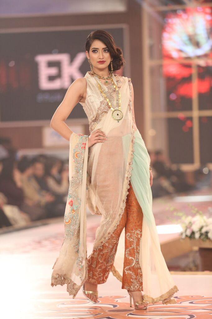 Erum Khan Telenor Bridal Couture Week 2015 14.jpeg
