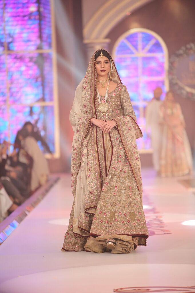 Fahad Hussayn Telenor Bridal Couture Week 2015 3.jpeg