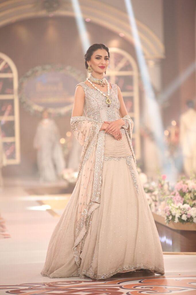Nilofer Shahid Telenor Bridal Couture Week 2015 3.jpeg
