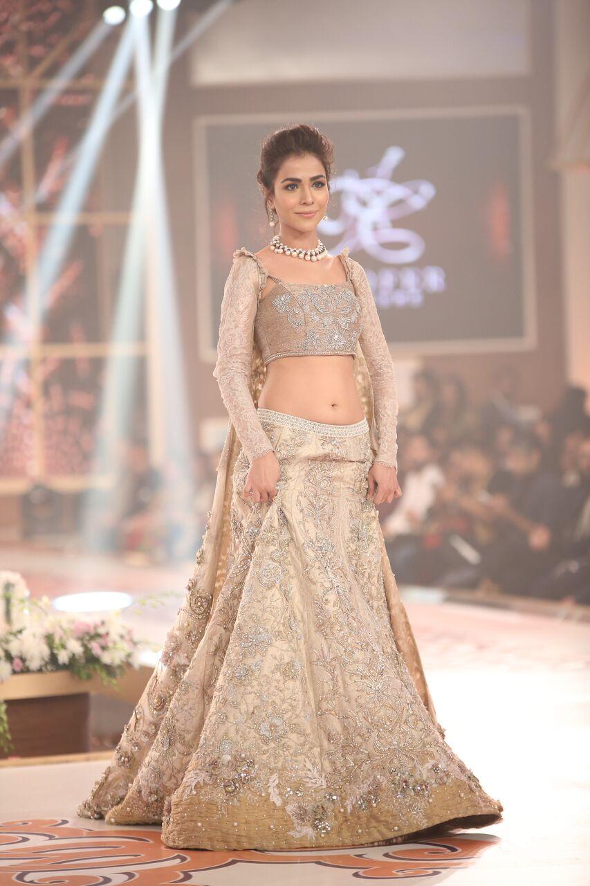 Nilofer Shahid Telenor Bridal Couture Week 2015.jpeg