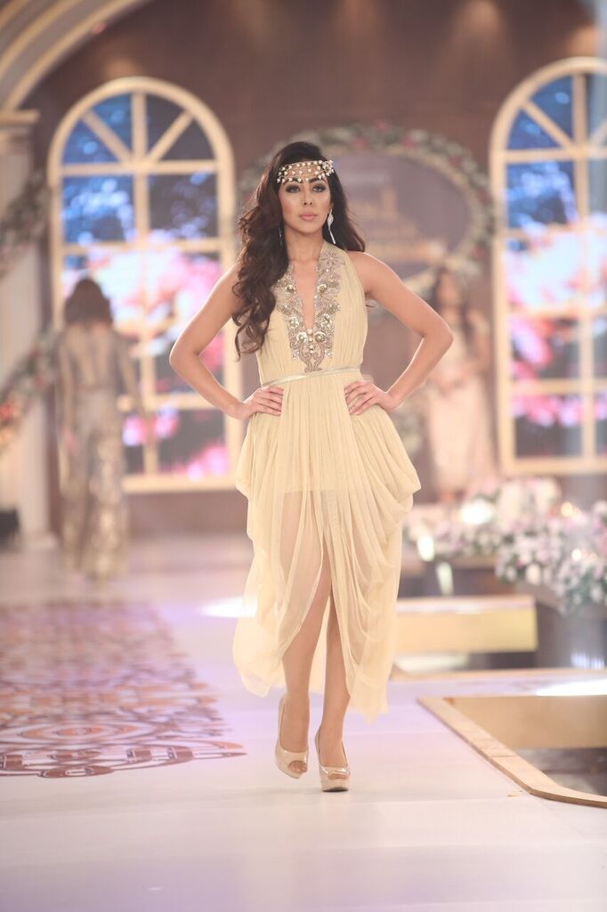 Saai by Sahar Atif Telenor Bridal Couture Week 2015 3.jpeg