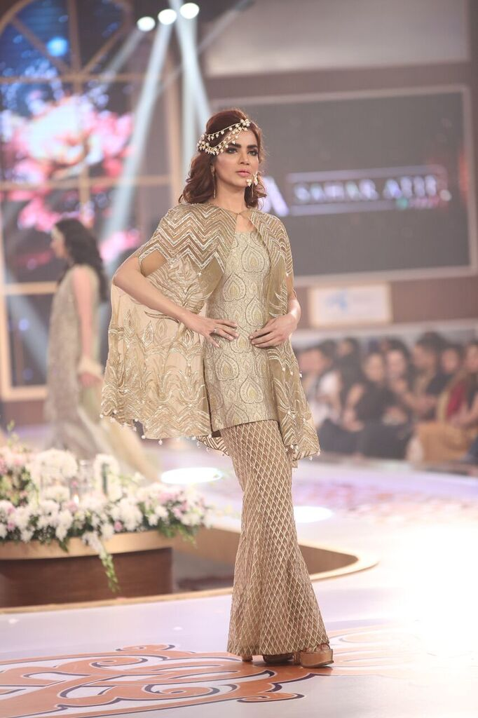 Saai by Sahar Atif Telenor Bridal Couture Week 2015 6.jpeg