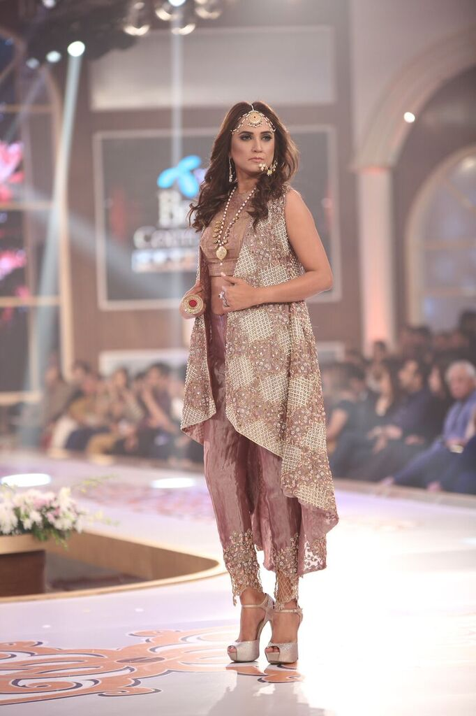Saai by Sahar Atif Telenor Bridal Couture Week 2015 7.jpeg