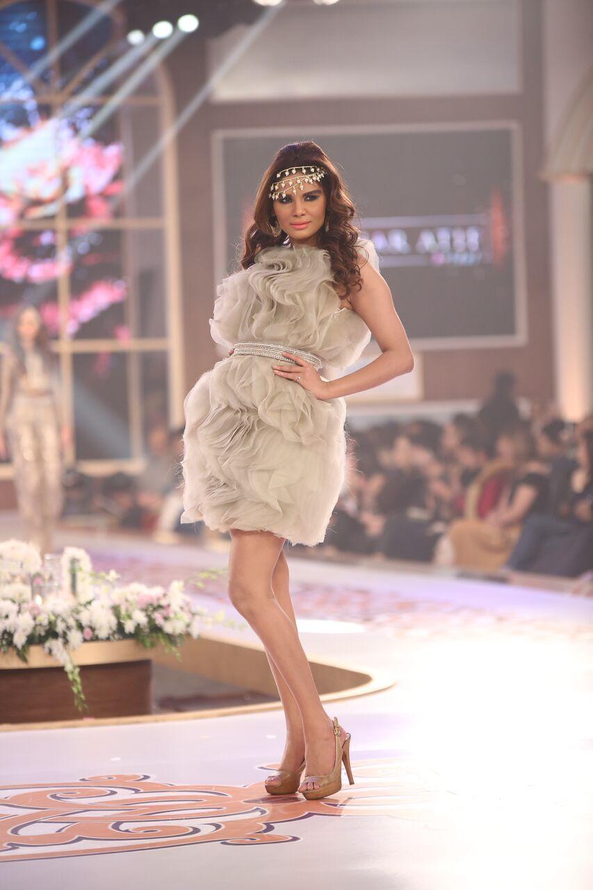 Saai by Sahar Atif Telenor Bridal Couture Week 2015.jpeg