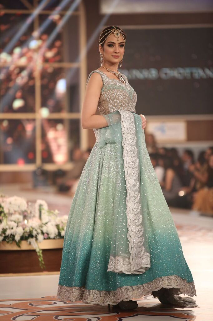 Zainab Chottani Telenor Bridal Couture Week 2015 2.jpeg