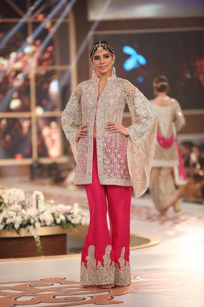 Zainab Chottani Telenor Bridal Couture Week 2015 5.jpeg