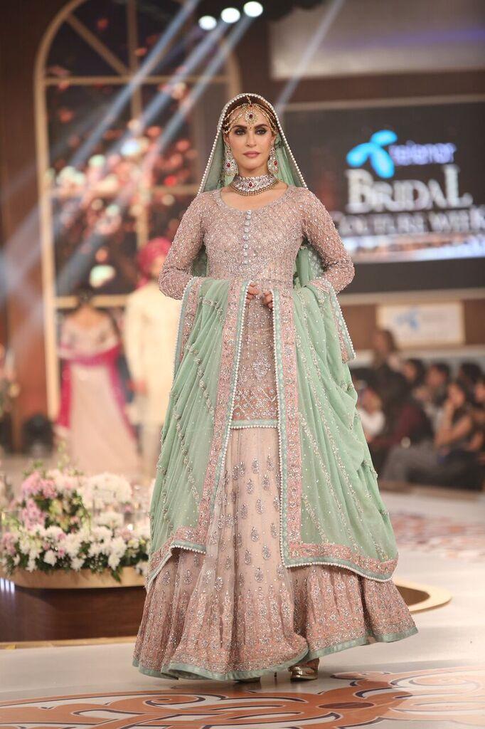 Zainab Chottani Telenor Bridal Couture Week 2015 7.jpeg