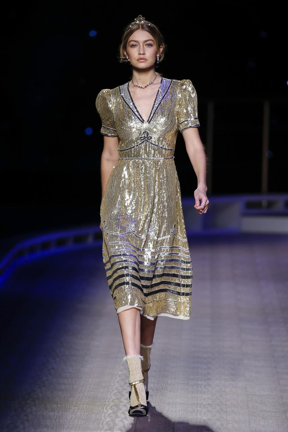 Gigi Hadid in Tommy Hilfiger Fall 16_NYFW- 2.jpg