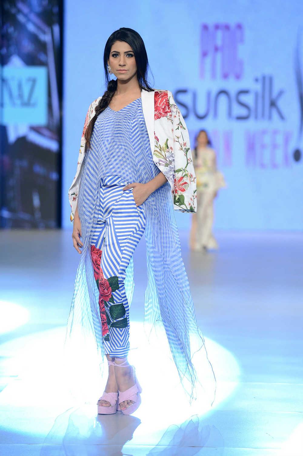 Sana Safinaz (13).jpg