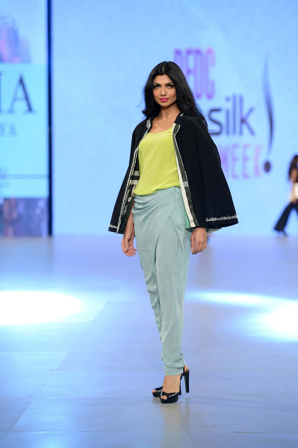 Sania Maskatiya (10).jpg