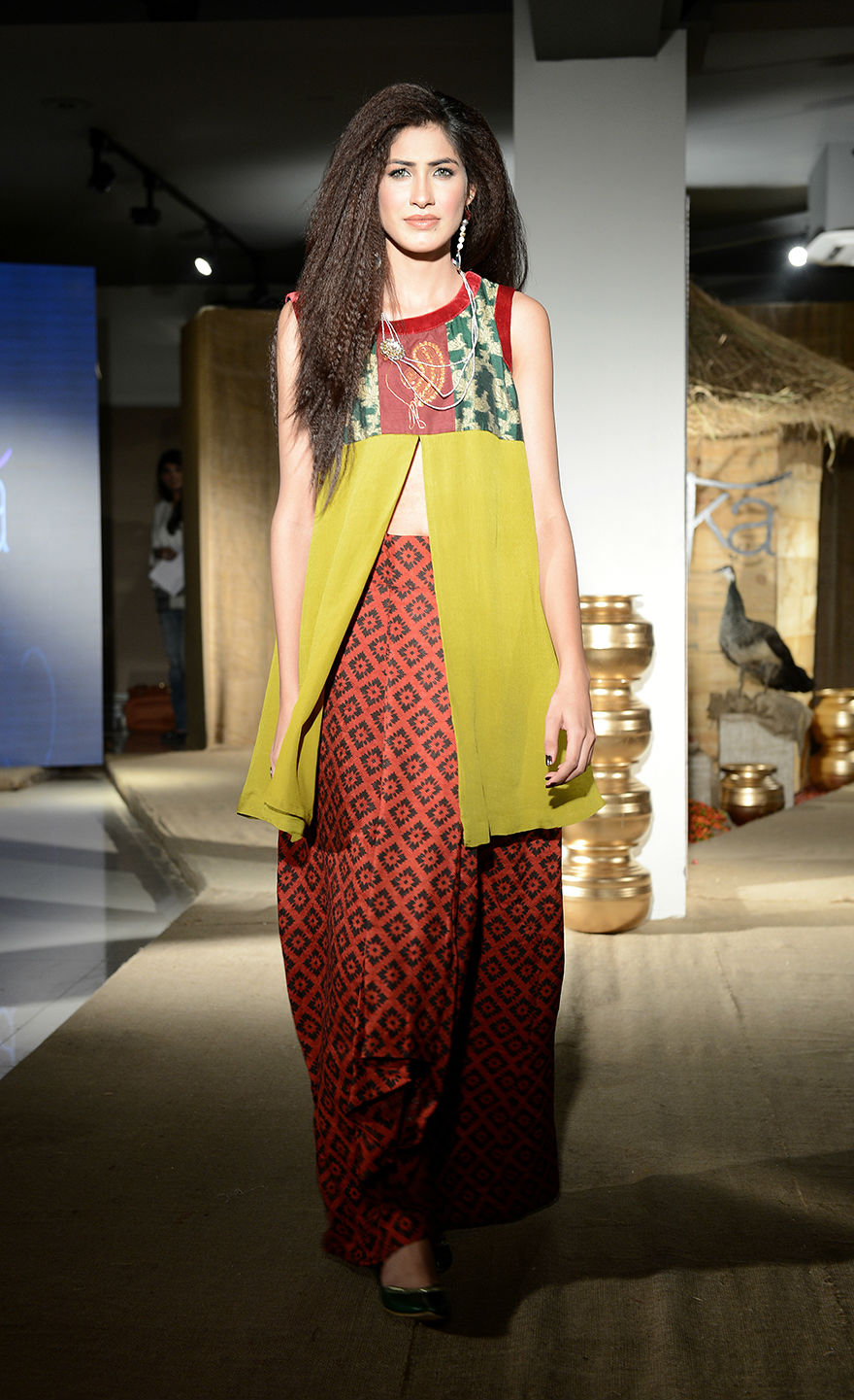 Taanka a brand dedicated to highlighting the arts and crafts of Interior Sindh launches at PFDC Fashion Active in Lahore (9).jpg