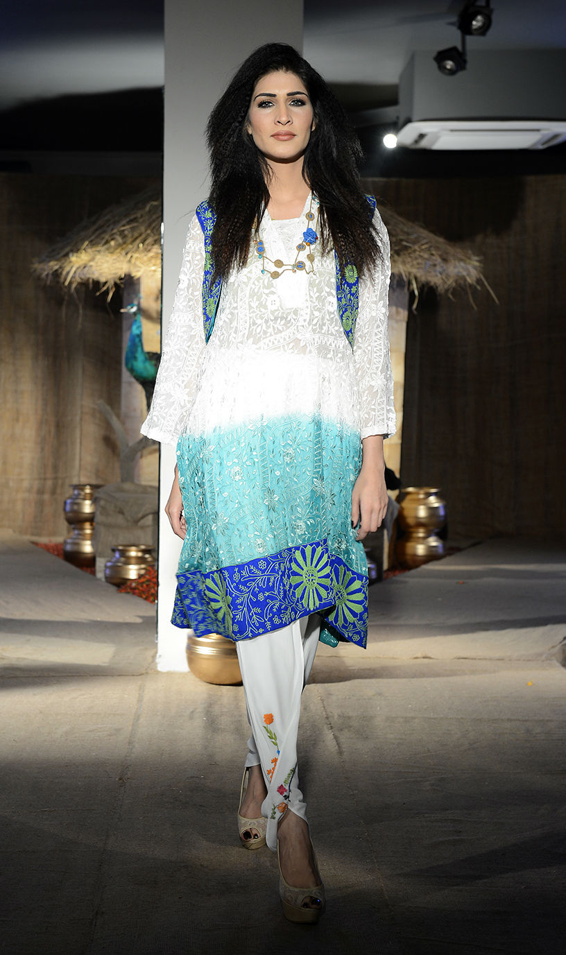 Taanka a brand dedicated to highlighting the arts and crafts of Interior Sindh launches at PFDC Fashion Active in Lahore (4).jpg