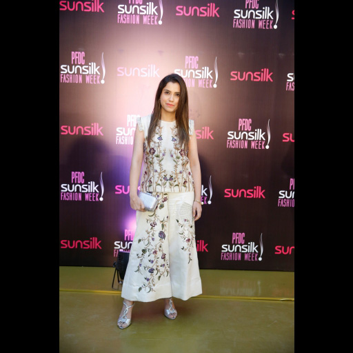 0992500001492427364pfdc_day_3_red_carpet_2017_spotted_03.jpg