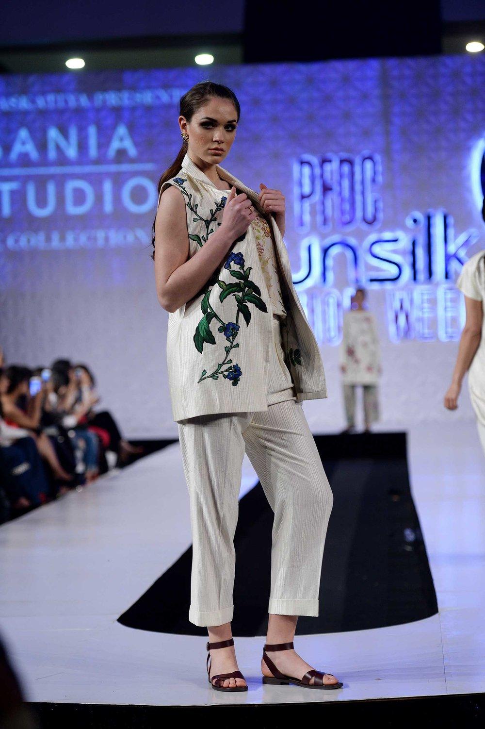 Sania-Maskatiya-PSFW17-030.jpg