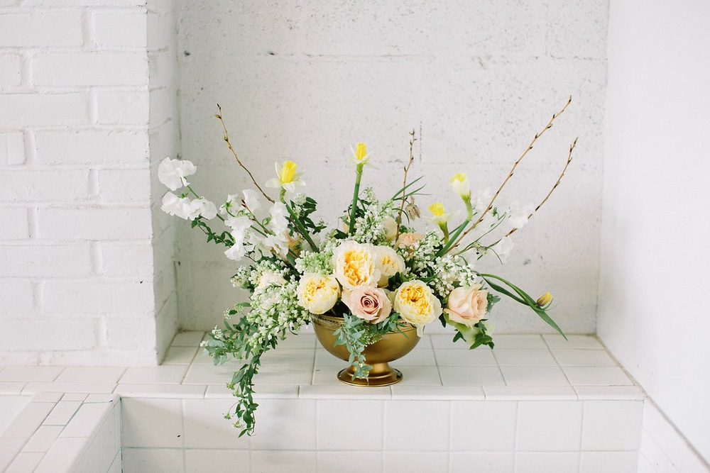 Flowers by Fleur Inc, Photo by Lauren Carnes from the Holly Chapple Workshop