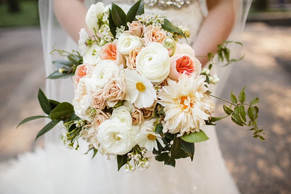 Bridal bouquet by Fleur Inc, Photo by Sarah Postma Photography