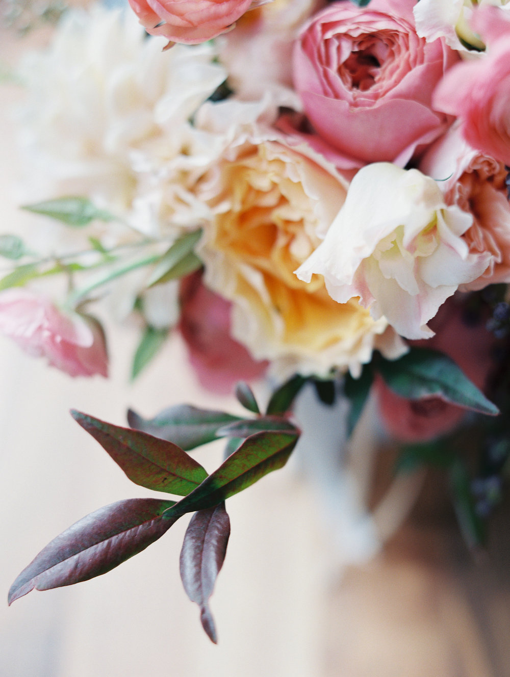 Floral by Fleur Inc, Photo by Clary Pfeiffer