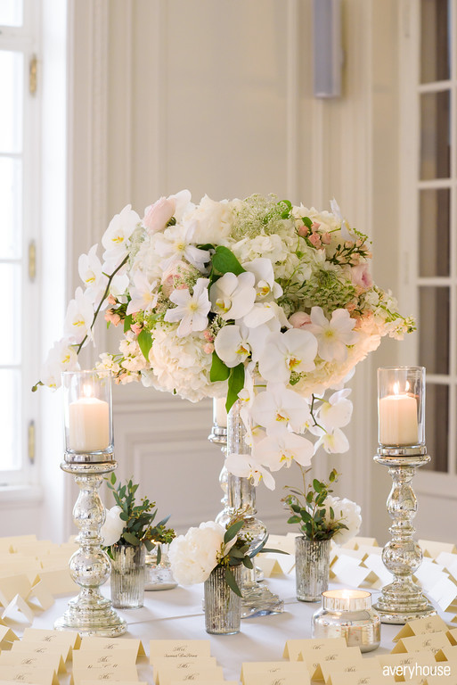 Flowers by Fleur Inc, Photo by Avery House