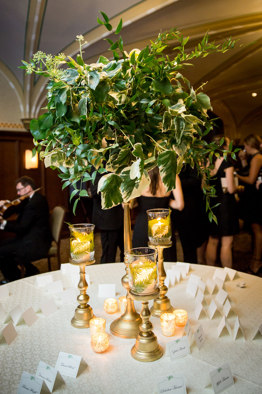 Flowers by Fleur Inc, Photo by Ann & Cam Photography, Planning by Clementine Custom Events