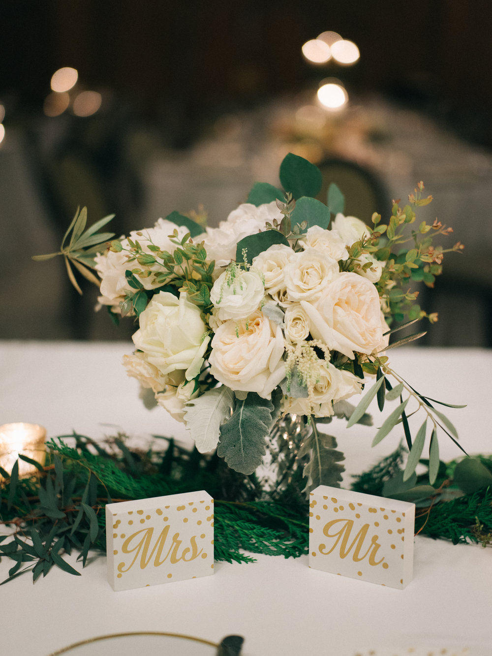 Flowers by Fleur Inc, Planning by Jayne Weddings, Photo by Sean Cook Weddings.