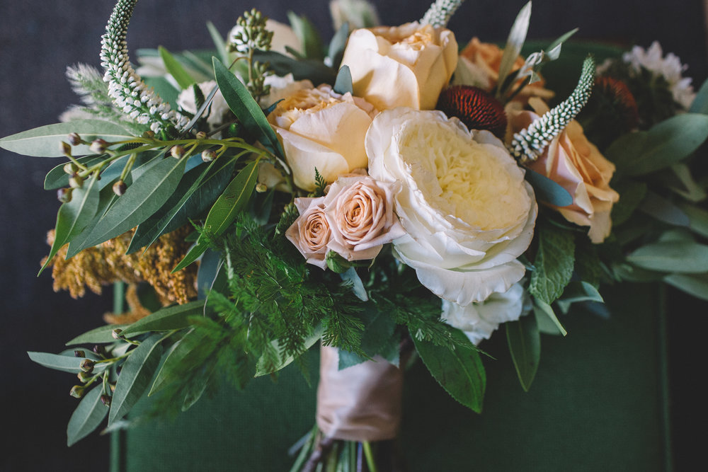 Flowers by Fleur Inc, photo by Stephanie Bassos Photography