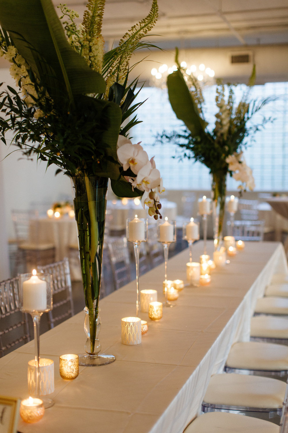Flowers by Fleur Inc, Photo by Louie Abellera Photography, Planning by Daydream Events Chicago